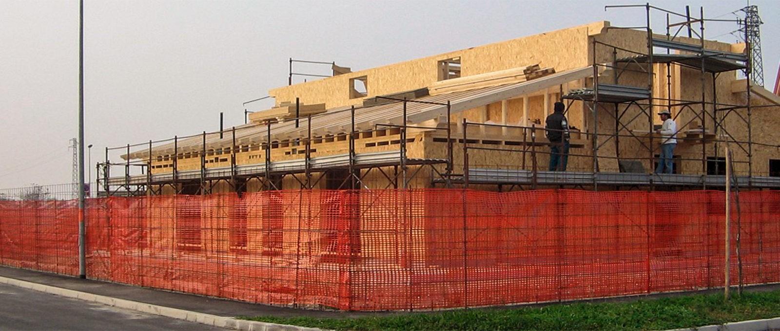 Case in legno con sistema a telaio