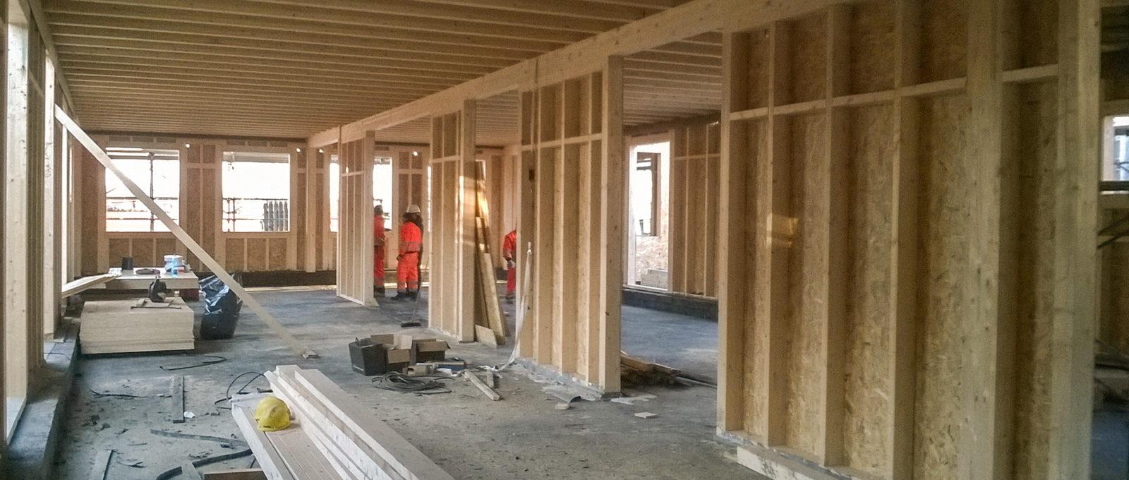 Costruzione casa in legno con pannelli XLAM
