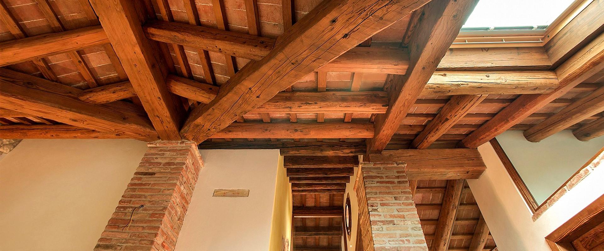 Legno antico - Padova: Travi antiche